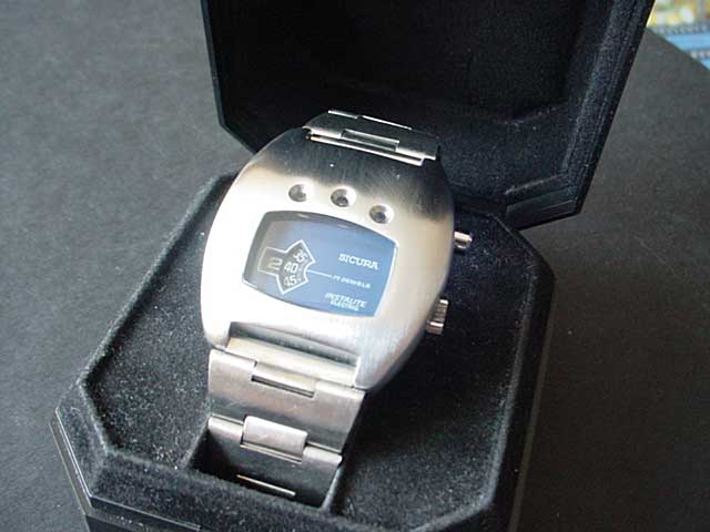 Sicura Instalite Volta watch with light