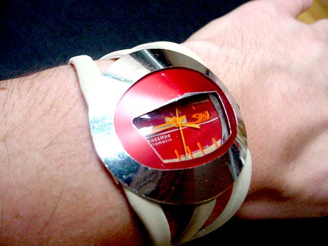 Spaceman oval retro watch
