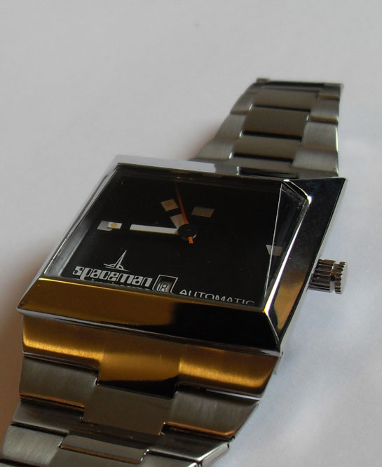 Spaceman Audacieuse watch in black