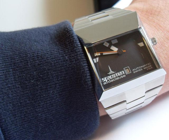 Spaceman Audacieuse watch in black