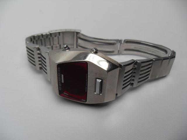 Spoon Pulsar LCD chunky retro watch