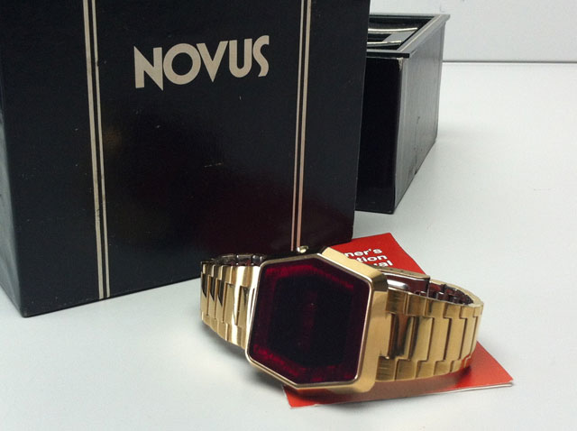 Novus Gold LED Retro vintage watch